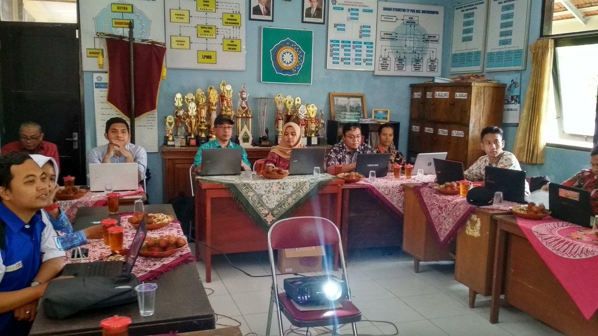 Admin Desa Ikuti Optimalisasi Website Desa Se-Kecamatan Watukumpul